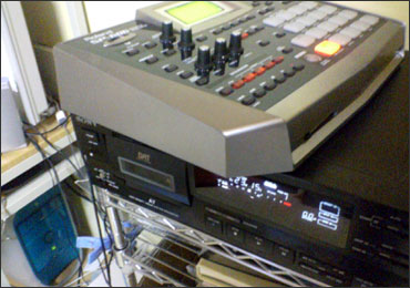Roland SP-606とMacOS9